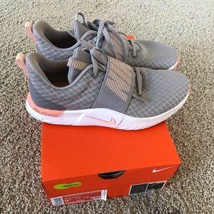 Nike Shoes - Nike TR 9